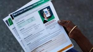 """El gobernador de Florida prohíbe los pasaportes de vacunación para evitar que haya """"dos clases de ciudadanos"""""""