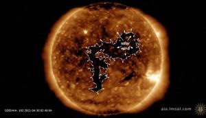 Una tormenta solar que viaja a más de 500 kilómetros por segundo chocará con la Tierra el domingo