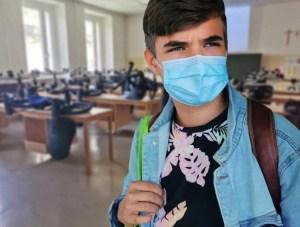 Ahora la OMS dice que hay que seguir llevando mascarilla aunque estés vacunado