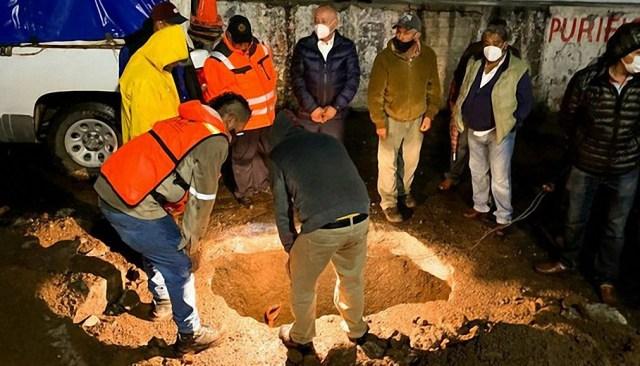 Otro socavón causa alarma entre los habitantes de Tulancingo, Hidalgo, México