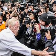 agrasión policial ciudadano prensa rodea el congreso