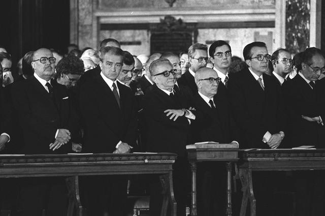 Pietro Ingrao con Giovanni Leone e Giulio Andreotti durante la messa funebre per la morte di Aldo Moro il 13 maggio 1978. ANSA/ ARCHIVIO