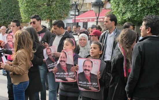 Giuliana Sgrena/IPS: Manifestación por el asesinato del líder opositor Chokri Belaïd en la avenida Burghiba de la capital de Túnez.