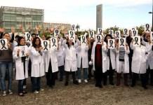 Médicos de Madrid con lazos negros por la privatización de la sanidad