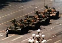 (C) Jeff Widener. Plaza de Tiananmen, Pekín, 5 de junio de 1989