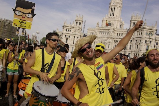 Marcha-Orgullo-Gay-Madrid-2011-AI