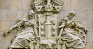 A Coruña. Escudo de la ciudad en la cúpula central del Ayuntamiento