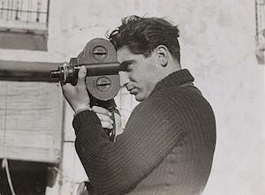 Robert Capa, fotografiado en España, en 1937, por Gerda Taro