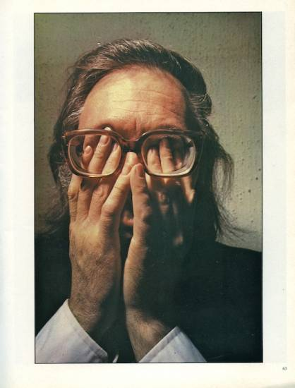 """Francisco Umbral. (C) Alberto Schommer. """"Umbral imaginando."""" FOTO, nº 0, marzo de 1982"""