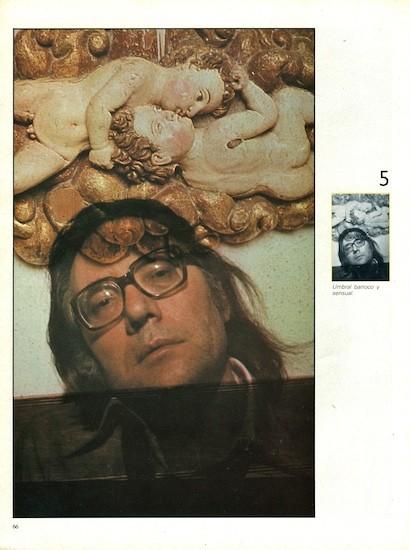 """Francisco Umbral. (C) Alberto Schommer. """"Umbral barroco y sensual."""" FOTO, nº 0, marzo de 1982"""