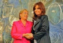 Michelle Bachelet y Cristina Fernández en marzo de 2010. Wikipedia
