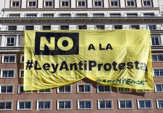greenpeace-no-ley-antiprotesta-pancarta