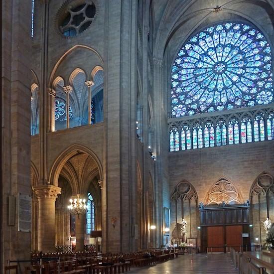 Notre-Dame-vidrieras-LED