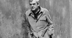 El gobierno checo quiere devolver la nacionalidad al escritor Milan Kundera