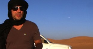 Javier Barden en un rodaje en el desierto del Sahara