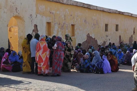 Mujeres y hombres saharauis
