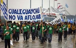 Protestas por la celulosa en Botnia