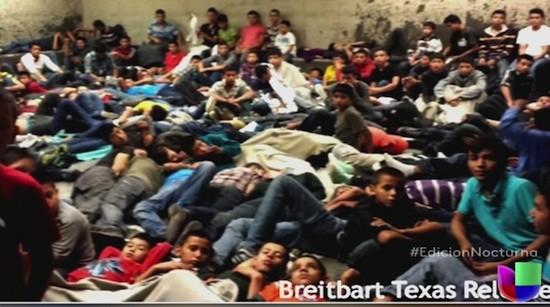 Menores, inmigrantes ilegales, hacinados en un centro de internamiento en Texas