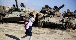 """Olivier Jobard / Sipa Press. Misrata, Libia, 2012. De la exposición """"Caminos a la escuela"""", Fundación Canal, 25-9-2014 – 5-1-2015"""