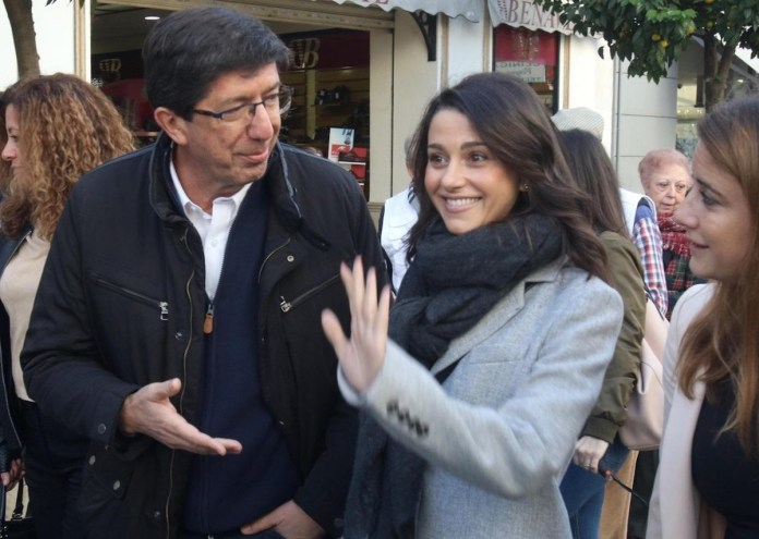 Inés Arrimadas y junto al candidato de Ciudadanos Juan Marínen las elecciones en Andalucía