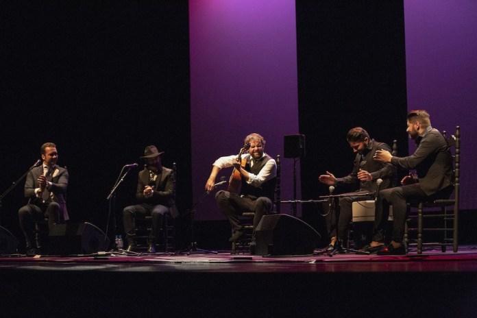 Nimes: Dani de Moron y elenco de guitarristas, por Sandy Korzekwa