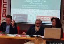 Jaime Cedrún, secretario general de CCOO de Madrid; Rosa Cuadrado, secretaria general de la Federación de Sanidad de CCOO de Madrid y en el centro Marciano Sánchez Bayle, presidente de la Federación de Asociaciones para la Defensa de la Sanidad Pública
