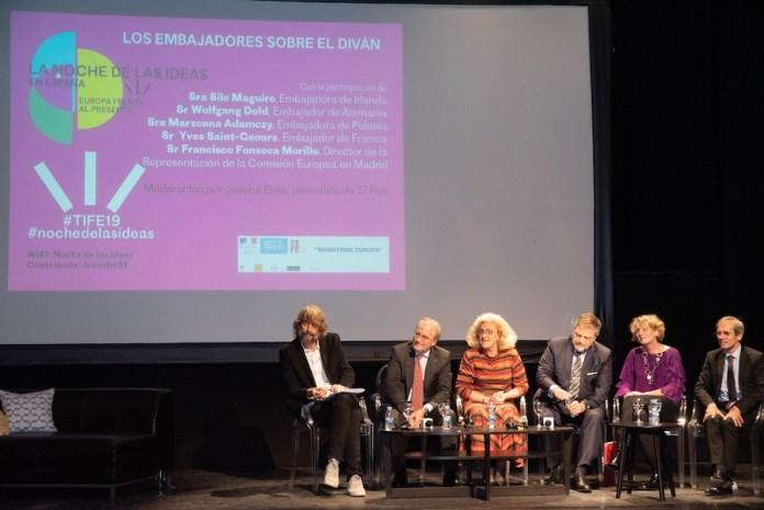 Joseba Elola y Francisco Fonseca con los embajadores de Polonia, Alemania, Irlanda y Francia, en la presentación de TIFE 2019. Foto Institut Français Madrid