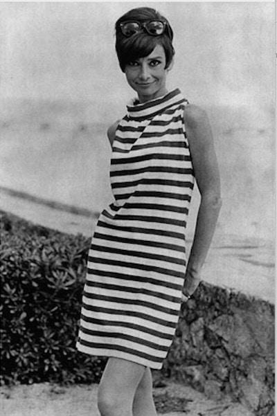 Audrey Hepburn con minifalda Mary Quant