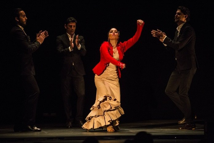 Vanessa Coloma en 'Flamenklórica'. Festival de Jerez. Foto Javier fergo copia
