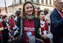 Dijana Pavlovic en una manifestación contra el fascismo. Roma, 25 de abril de 2019