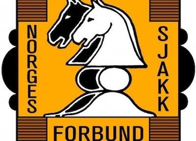 Logotipo de la Federación Noruega de Ajedrez (NSF) conocida como Sjakkforbundet