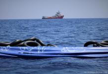 MSF Ocean Viking 11AGO2019 lancha hundida