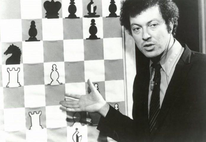 Shelby Lyman durante su programa de la PBS en 1972