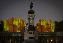 """Greenpeace, 05/09/2019. Iniciativa """"Arde el Retiro"""" en Madrid, España, para denunciar la emergencia forestal en el Mundo."""