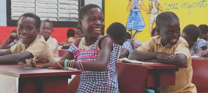 UNICEF/Frank Dejo: Niños y niñas en el colegio de la ciudad de Sakassou, en Côte d'Ivoire. (8 de julio de 2019)
