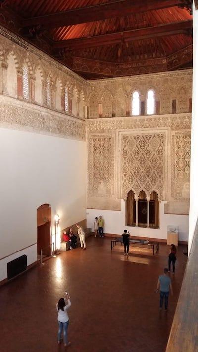 Sinagoga del Tránsito, Sala de Oración desde la galería de mujeres