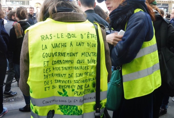 Gilet jaunes en las calles de París el 17 de noviembre de 2019