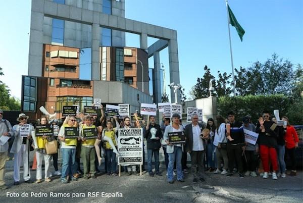 Concentración de RSF y AI ante la embajada de Arabia Saudí en Madrid en octubre de 2019.