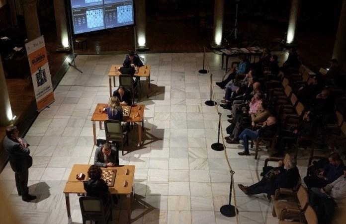 Inicio del torneo de ajedrez en el Casino de Salamanca. Foto: Alberto Prieto