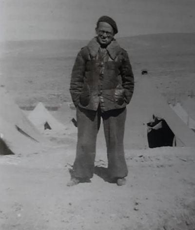 Max Aub en el campo de Djelfa (Yelfa), Argelia.