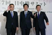 Li-Keqiang con Shinzo Abe y Moon Jae-in