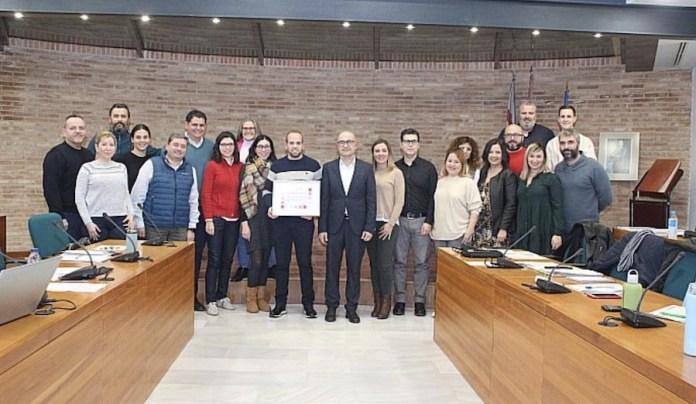 El Pleno de Alaquàs reconoce la trayectoria del ajedrecista local José Vicente Pallardó