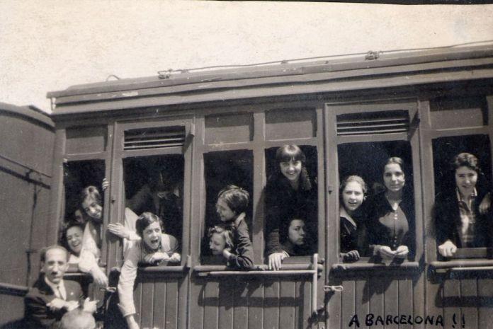Alumnas del Instituto-Escuela de viaje a Barcelona, años veinte. Residencia de Estudiantes, Madrid.