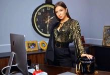 Elvira Gavrílova en su oficina