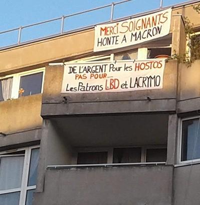 Francia, pancartas anti Macrón en Saint Denis