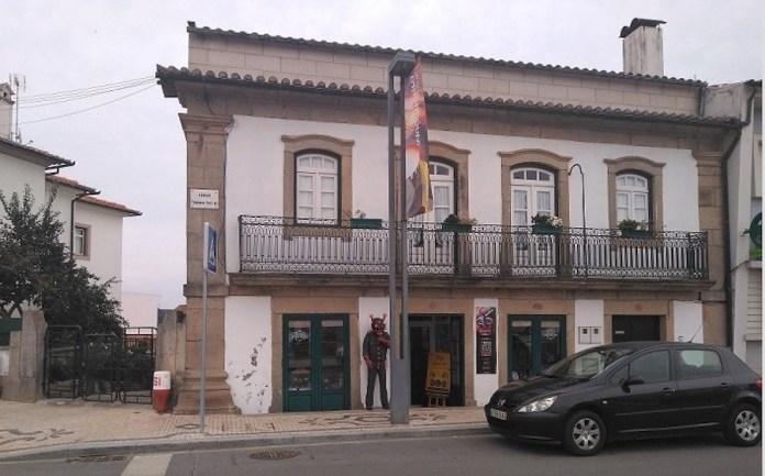 Tienda Transmontanices en el centro de Mogadouro