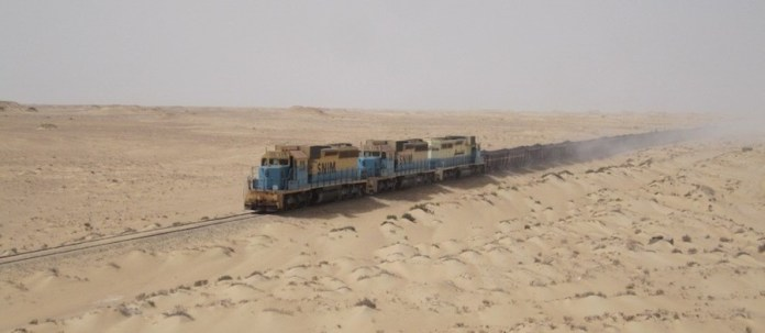 Tren del Sáhara locomotoras