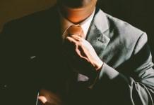 corbata empleo
