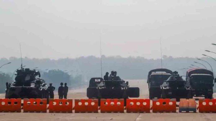 Birmania controles militares golpistas