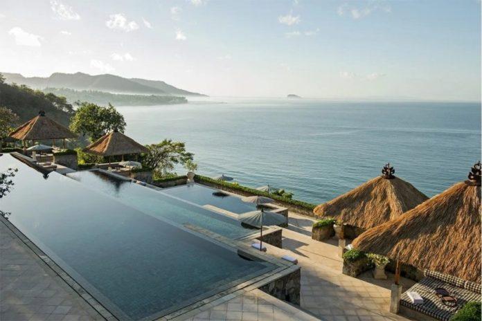 Infinity Pool piscinas infinitas Amankila Bali-CRHotel
